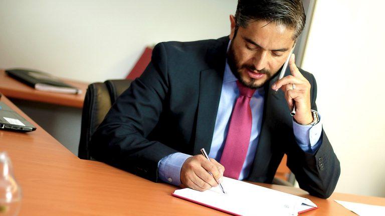 Quelles sont les missions d'un avocat commercial ?